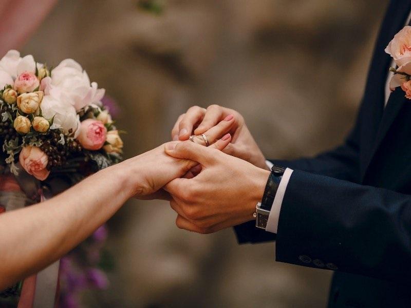 Know About Burlington Wedding Limo